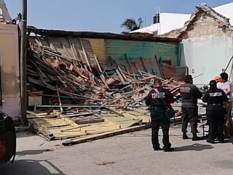 Se derrumba casa de madera de unos 100 años