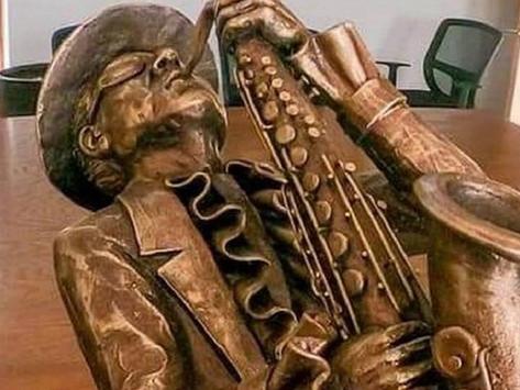 """Honran a """"Sax"""" de La Maldita Vecindad con estatua en su tierra natal"""