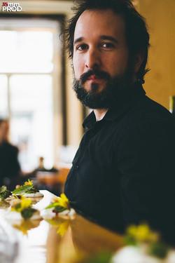 Portrait - Le Café du clocher penché