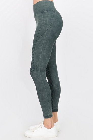 Stone Washed Vertically Curved Seamless Moto Leggings