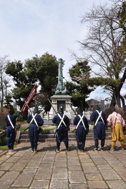 秋帆の記念碑へ参拝
