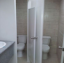 division baño pvc hecho en Costa Ric