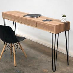 Hairpin Desk