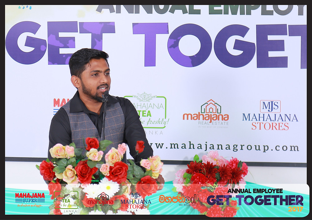 Ash-Sheick Imran Naleemi, the Manager of Mahajana Super during his team leader speech- where he touch based upon the benefits of  being part of a team.