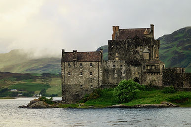Schloss durch den See