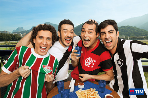Agency: Z+ RJ  Client: TIM  Photography: Aderi Costa  Retouching: Junior Arcoverde