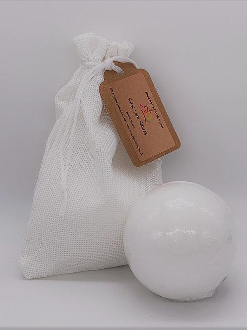 Grapefruit and Black Pepper Luxury Bath Bomb