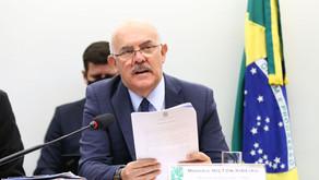 Comissão da Câmara aprova convocação de ministro da Educação