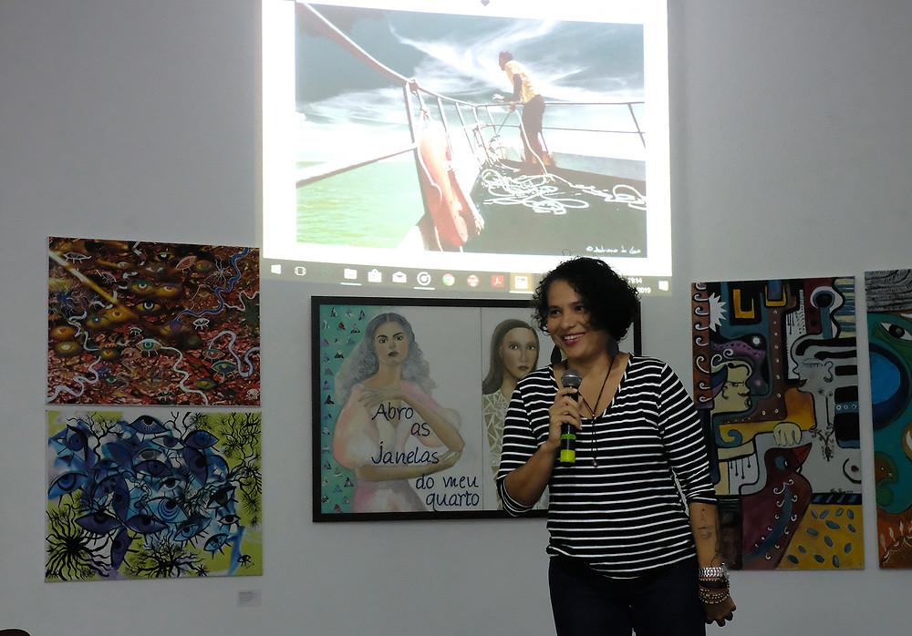 Adriana de Lima na Exposição ATOIMAGEM (Foto: Alberto César Araújo/Amazônia Real)
