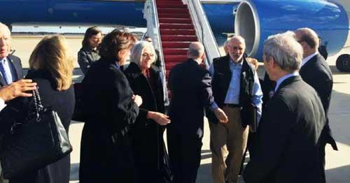 Alan Gross desembarca nos EUA após 5 anos preso em Cuba