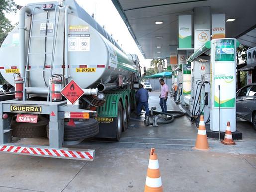 Com Temer, gasolina aumentou 245 vezes