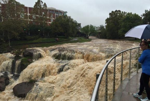 Enchentes na Carolina do Sul causam mortes e prejuízosDivulgação Guarda Nacional/Sargento Roberto Di Giovine/Agência Lusa