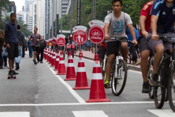 Ciclistas aproveitam primeiro domingo da Avenida Paulista fechada para carrosDaniel Mello/Repórter da Agência Brasil