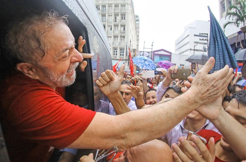Ex-presidente estará em Petrolina e Juazeiro nesta segunda. Na terça, ele participará de plenária em Carpina e na quarta em Caruaru e Recife