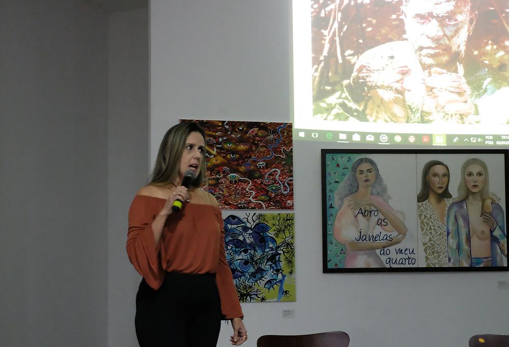 Selma Maia, na Galeria de Artes do ICBEU (Foto: Alberto César Araújo/Amazônia Real)