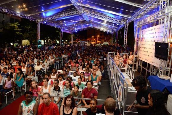O Festcine 2016 reúne 500 alunos do sexto ano do ensino fundamental e do ensino médio de escolas públicas e privadas de Barra do Piraí, que participam com 20 filmes na competição localDivulgação/Festcine/Vágner Benatti