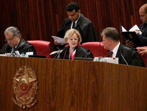 TSE ordena retirada de vídeo em que Bolsonaro fala de fraude em urnas
