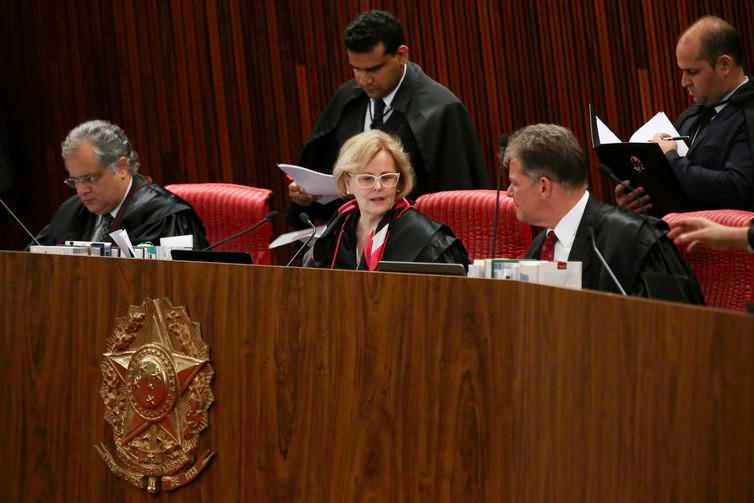 Presidente do TSE, Rosa Weber, disse que críticas que buscam fragilizar a Justiça Eleitoral hão de encontrar limites - Arquivo/Agência Brasil