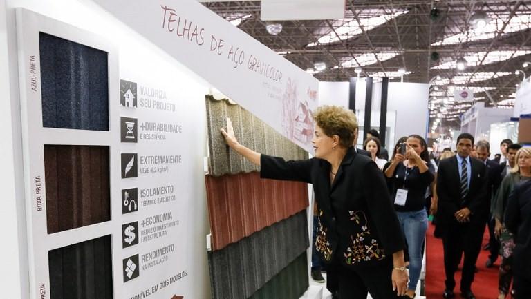 Presidenta Dilma Rousseff durante visita à 21ª edição do Salão Internacional da Construção - Roberto Stuckert Filho/PR