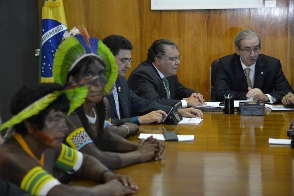 Em fevereiro, o presidente da Câmara dos Deputados, Eduardo Cunha (PMDB-RJ), recebeu lideranças kayapós, das terras indígenas Baú e Mekragnotire, no ParáWilson Dias/Agência Brasil