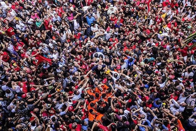 Defesa pede agora o julgamento do habeas corpus que pede a suspeição de Sergio Moro e a anulação da sentença / Francisco Proner/Farpa Coletivo