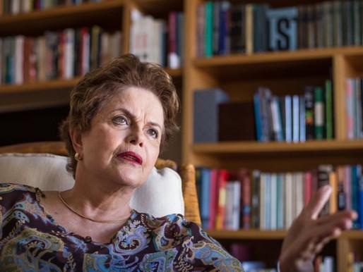 """Dilma: """"Bolsonaro quer entregar a saúde pública aos planos privados"""""""
