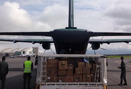 Militares brasileiros prestam ajuda humanitária no Equador