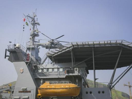 Marinhas do Brasil e dos Estados Unidos fazem simulado de ação antiterrorista