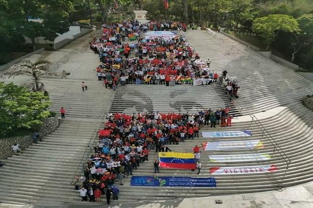 Homenagem a Chávez, defesa da soberania venezuelana e da Revolução Cubana foram tema do encerramento protagonizado / Foto: Prensa Latina
