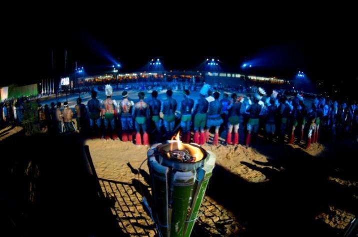 Pira do fogo Sagrado é acesa na cerimônia de abertura dos Jogos Mundiais dos Povos Indígenas  Marcelo Camargo / Agência Brasil