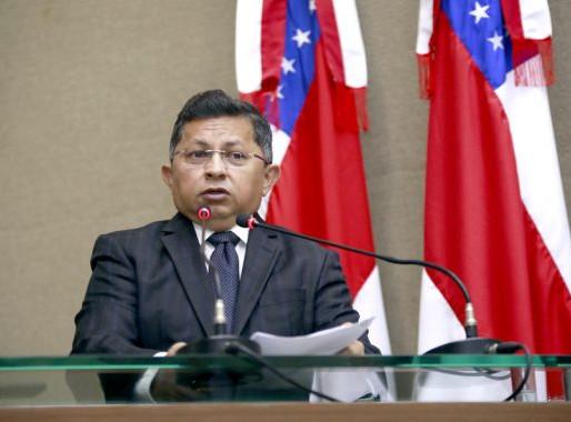 Deputado Sinésio Campos solicita retomada do Auxílio Emergencial