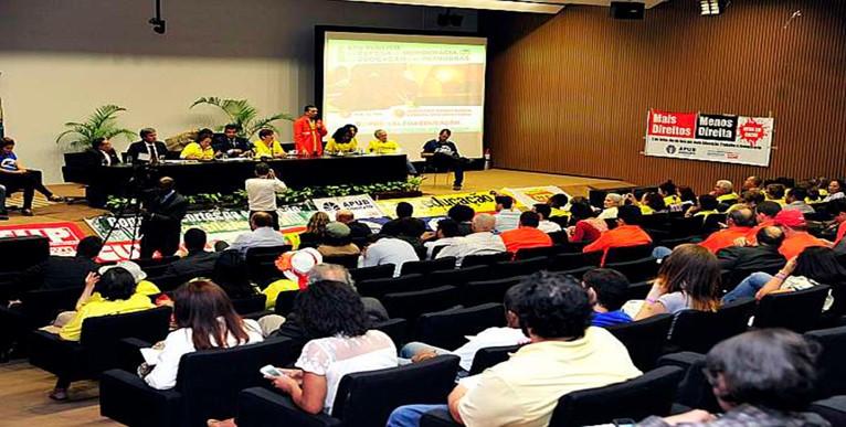 Manifestação condenou projeto tucano que derruba participação mínima da Petrobras no pré-sal