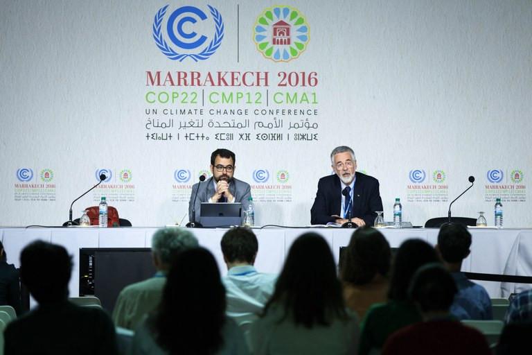 O embaixador José Antônio de Carvalho (direita) defende que a regulamentação do acordo seja concluída em dois anos Gilberto Soares/MMA