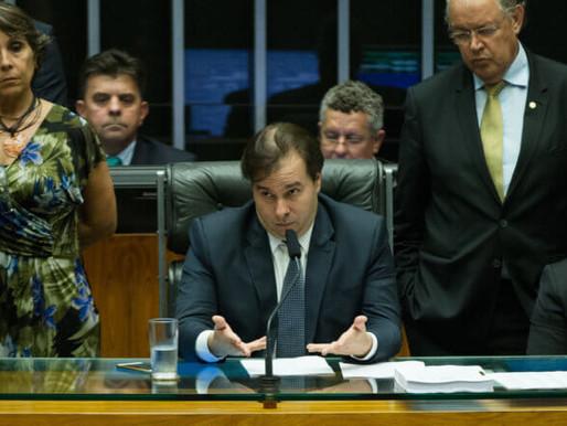 Rodrigo Maia ressuscita proposta de terceirização da era FHC