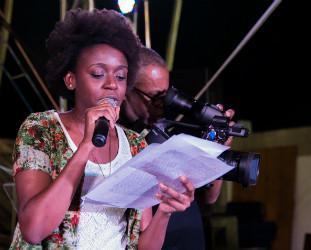 """Janaína Costa, do """"Inquietos"""", acredita que o edital amplia a acesso dos jovens à cultura. (Foto de Thaís Mallon)"""