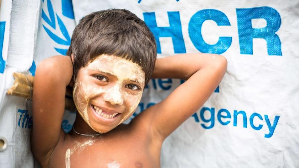 BANGLADESH/2017 — Com a chegada de mais de 650 mil refugiados rohingya de Mianmar, o ACNUR vem trabalhando com o governo de Bangladesh para oferecer alimentos, água limpa, abrigo, cuidados de saúde e acompanhamento em casos de trauma. Foto: ACNUR/Roger Arnold