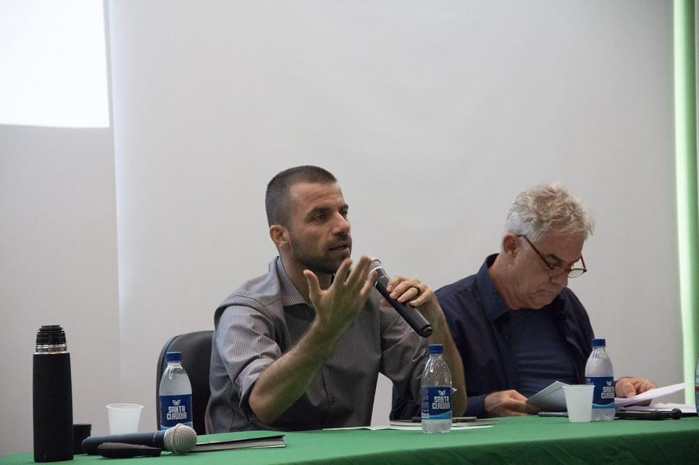 Procurador Fernando Merloto Soave e o professor Alfredo Wagner Almeida (Foto: Wérica Lima/Inpa)