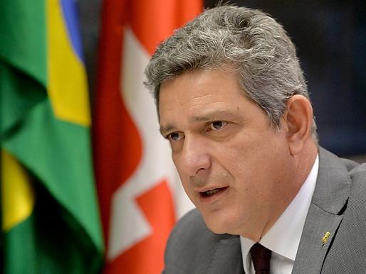 """""""É um governo da mentira e da morte"""", avalia Rogério Carvalho"""