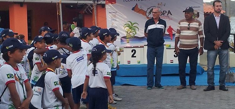 Crianças e adolescentes que integram o PROFESP durante a IV Copa de Inclusão Social