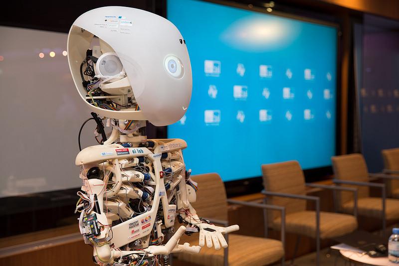 O principal evento da UNESCO sobre TIC (Tecnologias da Informação e Comunicação) na educação, a Semana da Aprendizagem Móvel (4-8 de março), teve como foco a Inteligência Artificial e suas implicações para o desenvolvimento sustentável. Foto: UTI