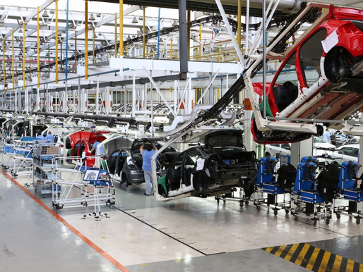 Números da indústria desmentem tese golpista de recuperação econômica