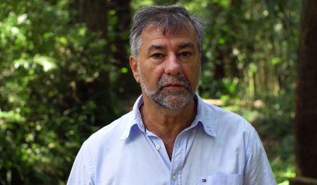 Há 40 anos, o professor Artaxo viaja à Amazônia para verificar o impacto das mudanças no clima - reprodução / TV Brasil