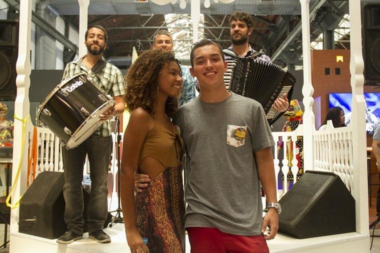 Casal de estudantes foi o visitante número 300 mil a conhecer espaço cultural Casa Brasil Foto: Ministério do Esporte/Divulgação