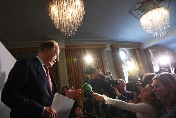 O professor Richard McLaren fala em coletiva à imprensa, em Londres, sobre casos de doping envolvendo atletas russosFACUNDO ARRIZABALAGA/EPA/Agência Lusa