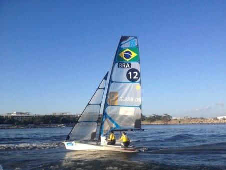 Martine Grael e Kahena Kunze nas águas de Guanabara