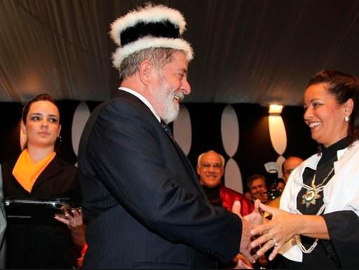 Há oito anos, Lula recebia o primeiro de seus 35 títulos honoris causa