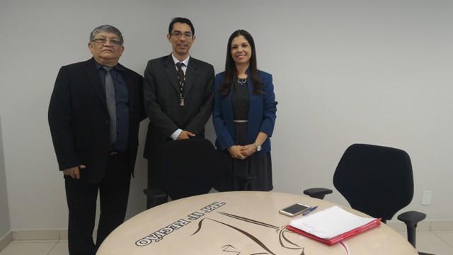 Mario Peixoto da Costa Neto e Alirio Vieira Marques, da Caixa Econômica Federal, e a coord. do NAE-CJ, juíza Edna Barbosa.