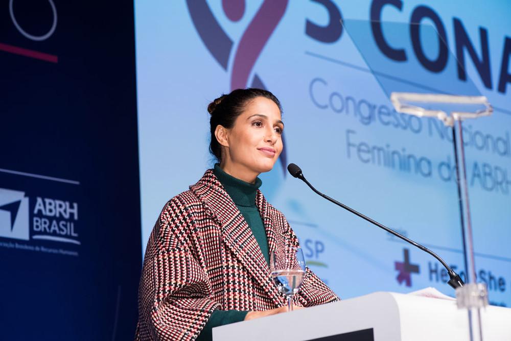 Camila Pitanga, embaixadora da ONU Mulheres no Brasil, no 3º Congresso Nacional da Liderança Feminina. Foto: ABRH/Gustavo Morita