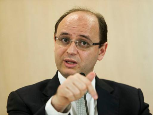 """""""Se quiserem melhorar o PIB, olhem para a educação"""", diz ministro"""