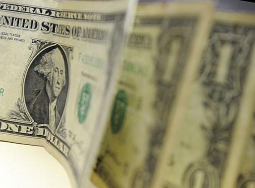 Dólar fecha acima de R$ 4,50 pela primeira vez na história